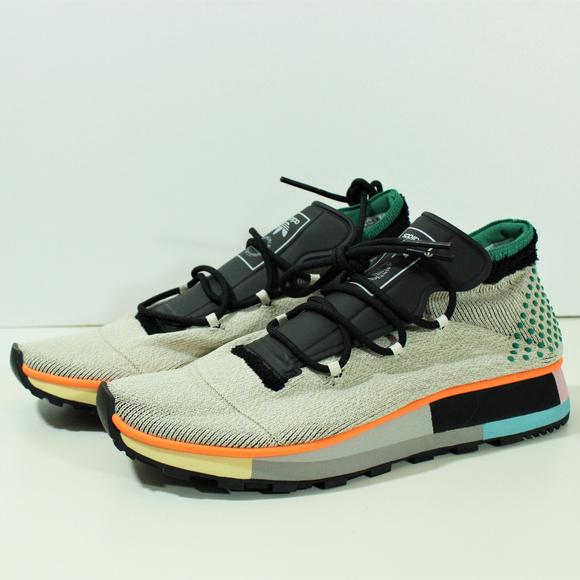 48140596edf Adidas Originals by Alexander Wang Run Mid AC6845